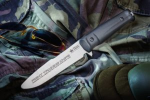 Couteau Kizlyar Supreme Delta training