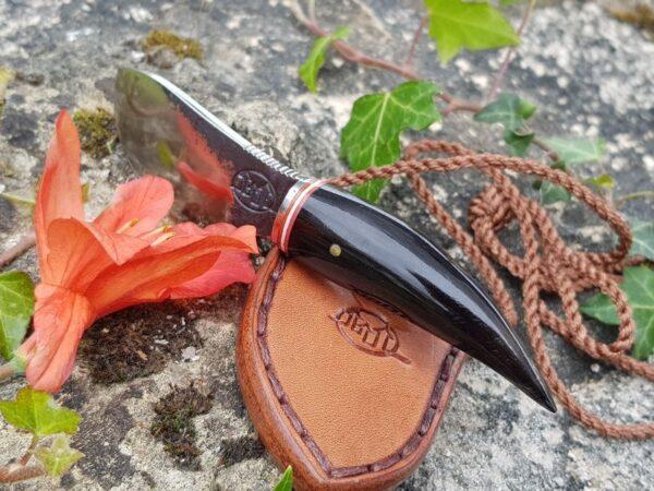Couteau citadel à lame fixe