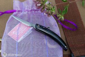 "Citadel ""Trey Tui Horn""- Folding Knife."
